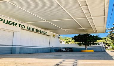 COMMERCIAL SPACE FOR SALE IN PUERTO ESCONDIDO