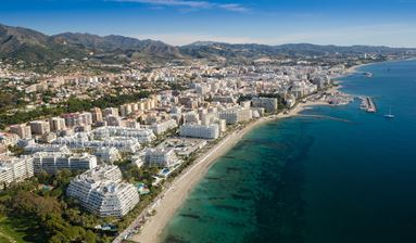 Hotel 4  for sale in the center of the fashionable famous resort town of Marbella.
